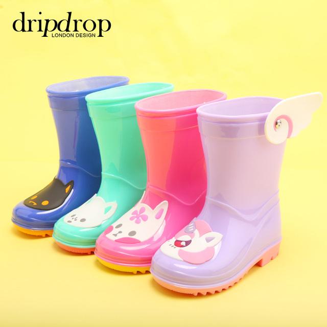 Fantasía de Los Niños Medio Corte Zapatos de Agua botas de Lluvia de Arranque Niños Moda Bebés Niñas niños Cartorn Gatos Ala Volar Botas 2016