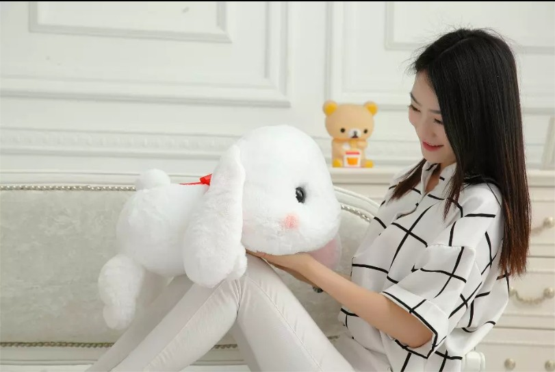 Bigger-Than-You-Think-AMUSE-Pote-Usa-Loppy-Cuddly-Bunny-Fluffy-Rabbit-Plush-Toy-Lying-Gesture (4)
