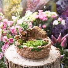 Miniature Decorative Cottage Fence Sculpture Succulents Planter Fairy Garden Vertical Plants Flower Pot Resin Planter Bonsai Pot