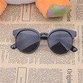 Gafas De Sol Feminino 2016 Niños Marco De Plástico gafas de Sol de Los Niños gafas de Sol Redondas de los Vidrios Para Niños Niñas Tonos Gafas de Lente
