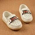 Eur Tamaño 21-30 de LA PU Niños Mocasines Casuales Zapatos de Los Niños Decoración de Metal de Cuero Negro Zapatos de La Escuela Para Niños TX65