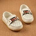 Eur Tamanho 21-30 PU Meninos Sapatos Casuais Crianças Sapatos de Metal Decoração Sapatos Para Os Meninos Da Escola De Couro Preto TX65