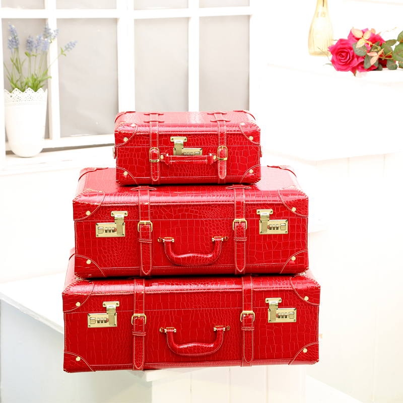 цена на Wholesale!Women red crocodile pu leather married suitcase sets,full red 14 22 24inches leather suitcase sets for bride,handbags