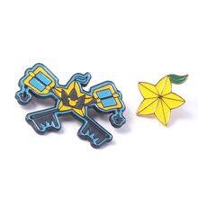 Gra Kingdom Hearts Sora Keyblade odznaka broszki Paopu owoce emalia Pins broszka dla kobiet mężczyzn przypinka Jeans koszula biżuteria