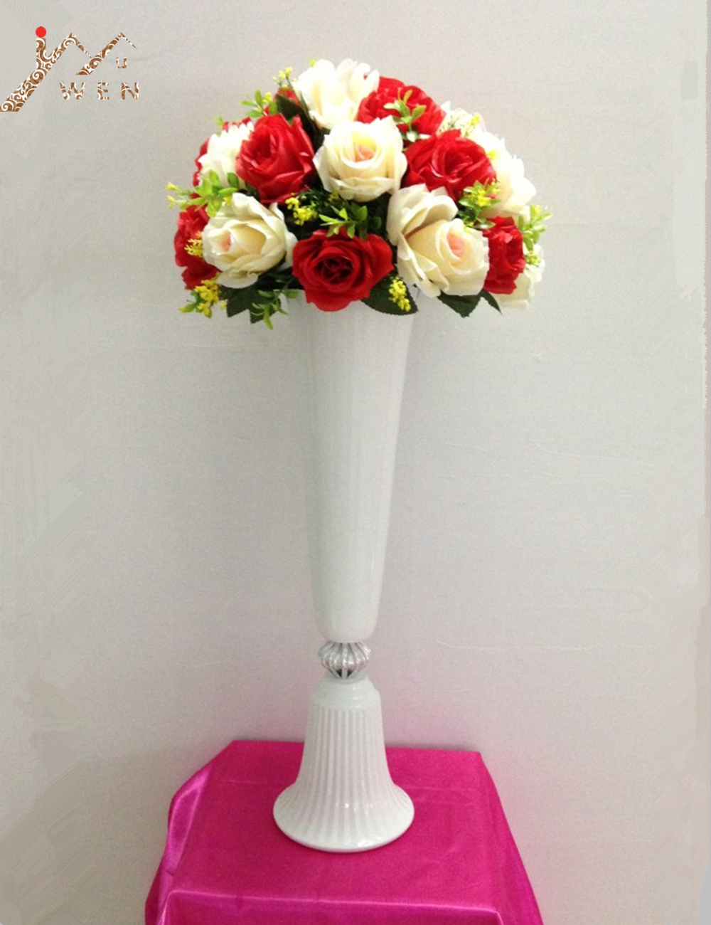 57cm height white metal candle holder candle stand wedding centerpiece event road lead flower rack event vase 2pcs / lot57cm height white metal candle holder candle stand wedding centerpiece event road lead flower rack event vase 2pcs / lot