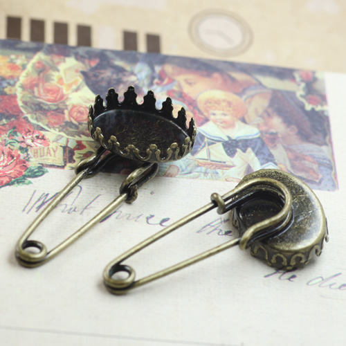 10pcs/lot Crown Brooch Base Settings Back Cabochon Settings Safety Pin Tray for 15mm Photo Cabochons Cameo DIY Findings