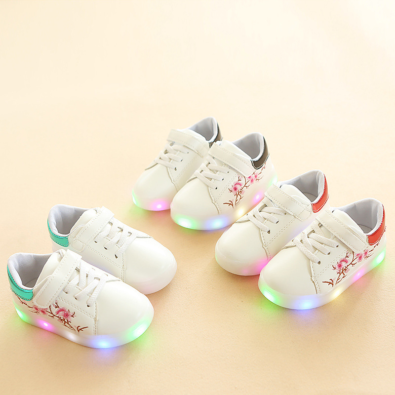 New 2018 European new brand kids shoes high quality shoes children causal sneakers solid color baby girls boys shoes