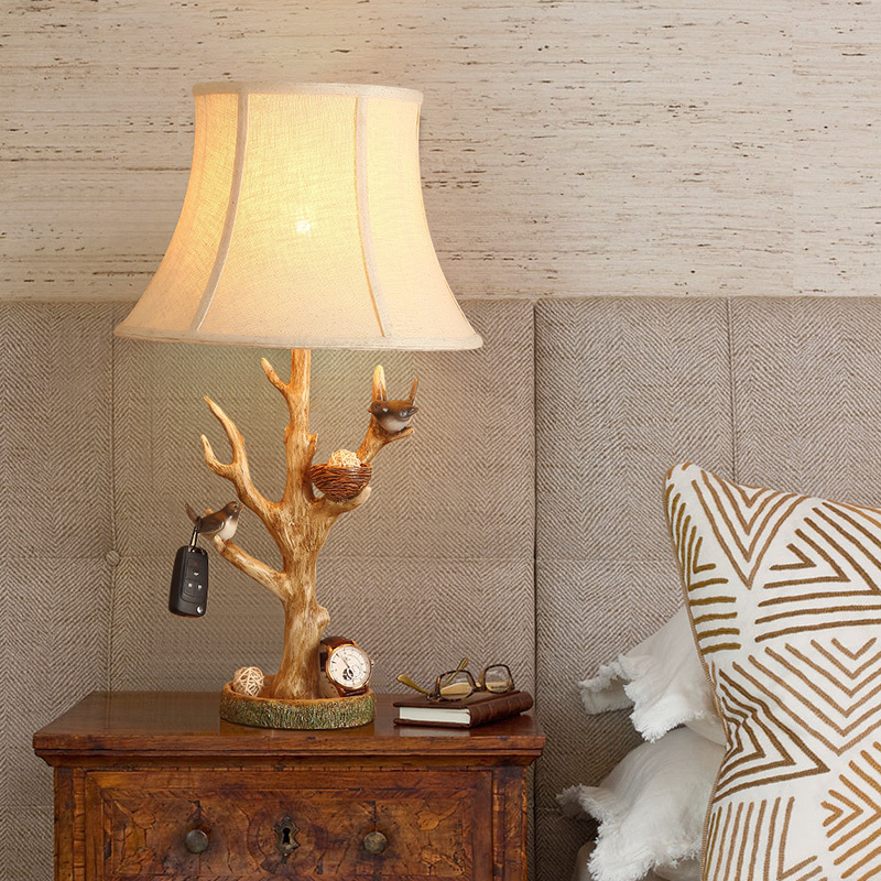 Pair Of Birds Playing In Birdhouse Table Lamp With Fabric Lampshade lamparas de mesa Desk Light Deco Luminaria For Living Room trazos modern table lamp color iron lampshade led lamparas de mesa metal desk light e27 hotel lighting deco luminaria de mesa