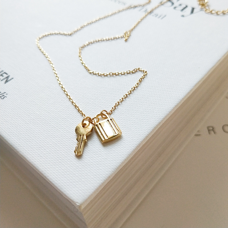 Sterling 925 silver key with lock pendants necklace simple element design wild necklace for women 2018 elegant charms jewelry