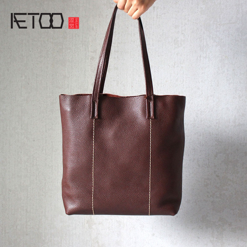 AETOO The first layer of leather fashion handmade vertical handbag leather shopping bag retro simple shoulder bag aetoo the first layer of leather messenger bag men leather leather handbag shoulder bag cross section of the big bag
