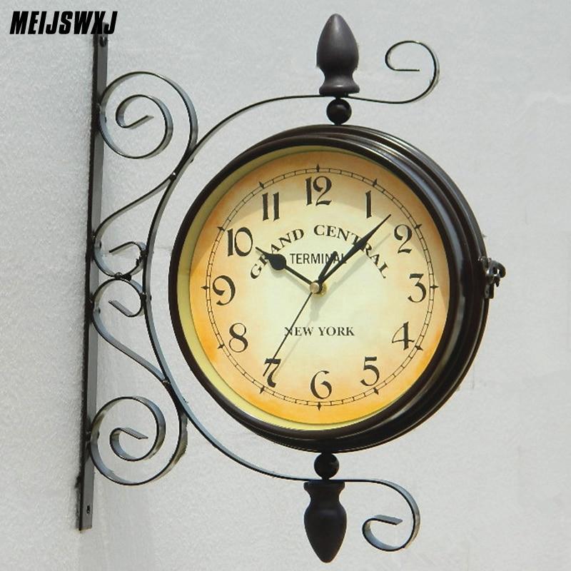 Meijswxj Deux Côté Horloge Murale Rétro Méditerranée Métal Double Face Horloge Murale de Style Européen Jardin Vintage En Métal Horloge Murale