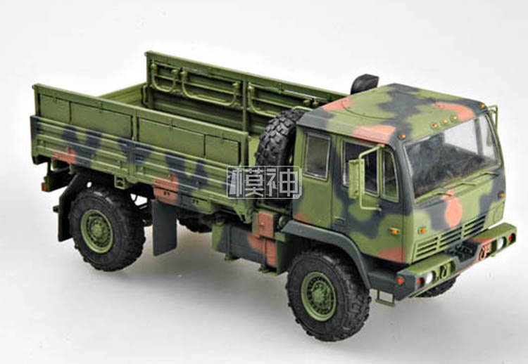 Military Plastic Assembly Model 1/35 Light Truck 2.5 Tons In The United States M1078 01004Military Plastic Assembly Model 1/35 Light Truck 2.5 Tons In The United States M1078 01004