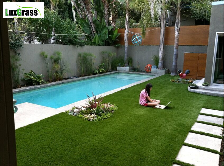 Artificial grass lawns for residential yards backyards-in