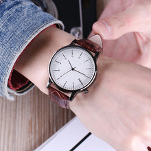 Fashion couple quartz watch leisure men 's watches waterproof couple models simple fashion watch wholesale