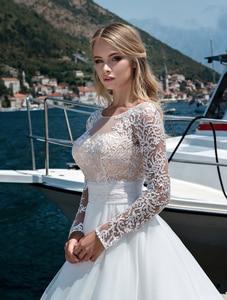 Image 3 - Tule UMA Linha De Casamento Vestidos O Pescoço Botão De Mangas Compridas Rendas Apliques Vestido De Novias 2019 Até O Chão vestido de Noiva para a Noiva