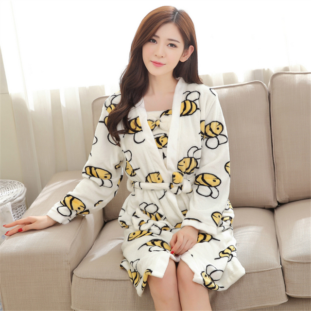 Beautiful girl winter pajamas women Coral cashmere Sling bathrobes Short skirts Thickening robe Flannel Home clothing Two-piece