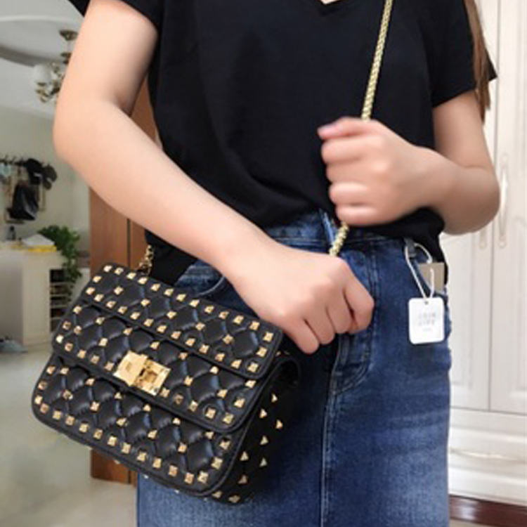 2017 Full Rivet Totes Luxury Handbags Women Bags Designer Soft Sheepskin Famous Brands Purses Chains Shoulder Bag Bolsa Feminina ludesnoble luxury handbags women bags designer shoulder bag female bags women bags handbags women famous brands bolsa feminina