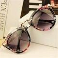 Nueva moda para mujer gafas de sol redondas mujeres diseñador de la marca vintage sunglass remache puntos femenino gafas de sol mujer gafas Retro