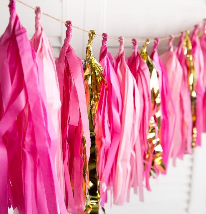 (fuchsia, Rosa, Gold) Stunning Papier Quaste Garland Seidenpapier Fringe Bunting Hochzeit Kindergarten Baby Dusche Ersten Geburtstag Party