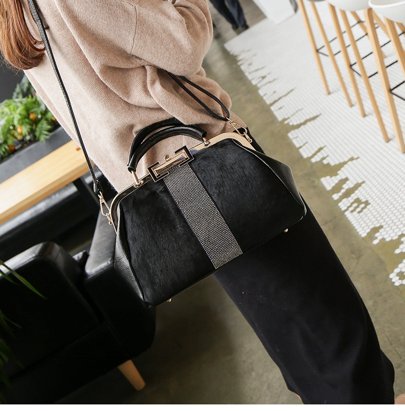 women handbag black (4)