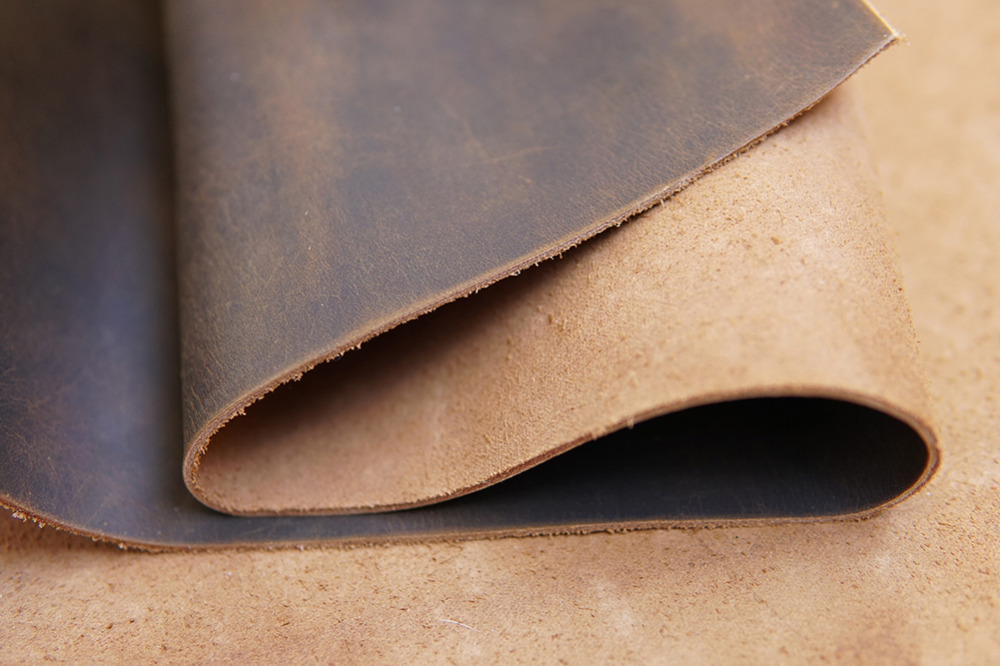 CHOOSE SIZE /& PRICE BLACK VEG TAN LEATHER OFF CUTS 2-2.5mm THICK