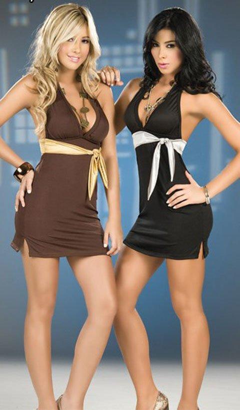 2 sexy women