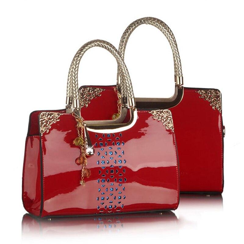 RED England Style Women Bag 2018 Hollow Out Pattern Women PU Leather Handbags Fashion Design Women Messenger Bags Shoulder Bags