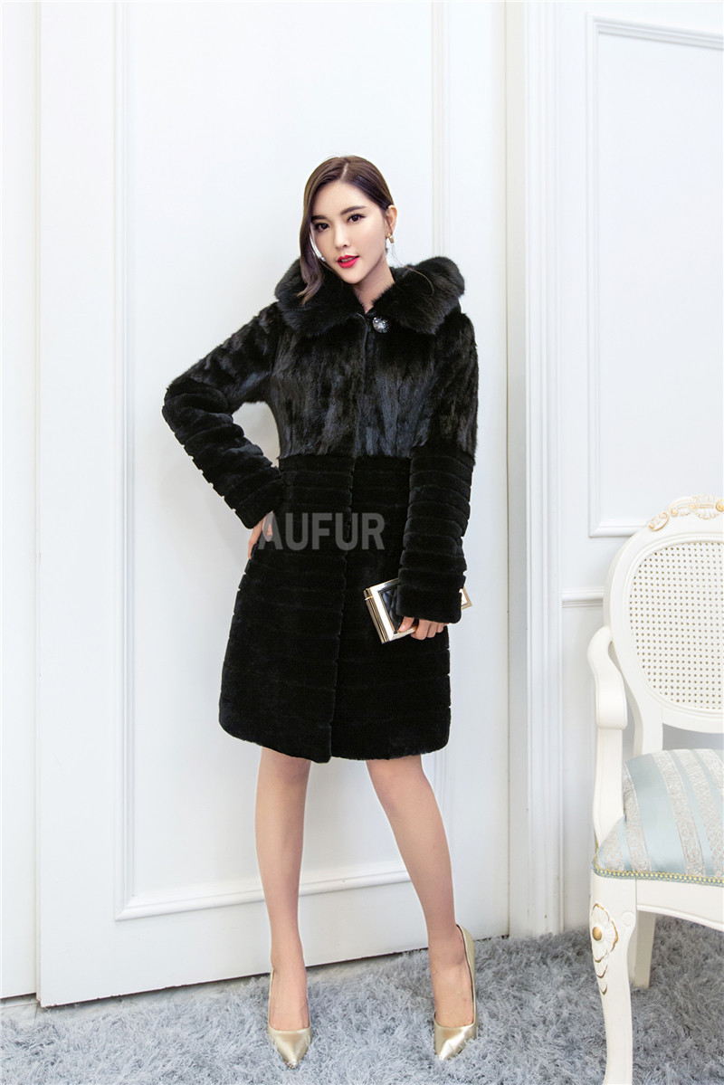Winter Real Lamb Fur Coat Women Hoody Winter Overcoat Big Fluffy Genuine Mink Fur Hood Black with Pockets Soft and Warm AU00666