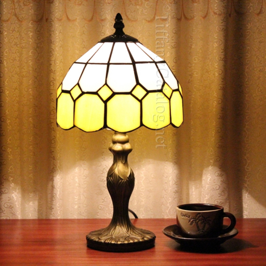 Beige Tiffany Continental Lights Living Room Lights Hotel Bedroom Lights Creative Wedding Gifts Table Lamps tiffany european creative table lights countryside bedroom bedside study room living room cafe bar hotel wedding table lamps