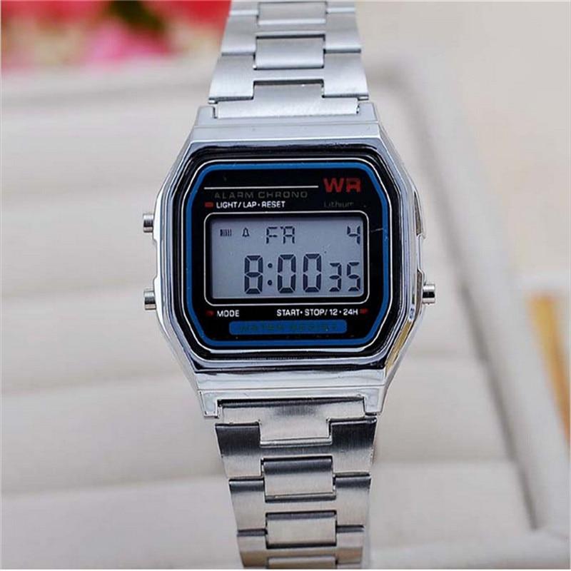 แฟชั่นใหม่ซิลเวอร์โกลด์ซิลิโคนนาฬิกาคู่นาฬิกาดิจิตอลตารางทหารชาย / หญิงชุดกีฬานาฬิกา whatch
