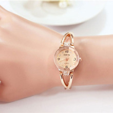 2017 New Womens Elegant Style Rhinestone Quartz Watch Women Rose Gold Plated Dress Watches Ladies Bracelet Watch Relojes Mujer