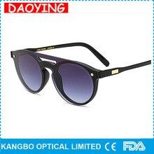 Daoying 2017 estilo estrella de la moda cat eye sunglasses mujeres hombres vintage marco cuadrado retro remache gafas de sol