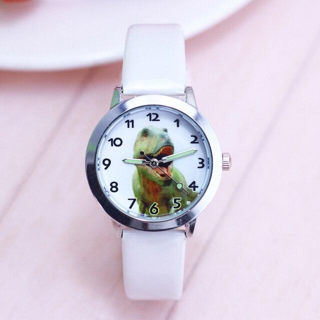 2018 per bambini famoso orologi al quarzo di sport dei capretti delle ragazze dei ragazzi cartoon cool anime dinosaur mani luminose orologio in pelle kol saati