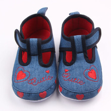 New Arrival Beautiful Heart Pattern Design Hook Loop Prewalker Baby Girl Casual Shoes For 0 15M