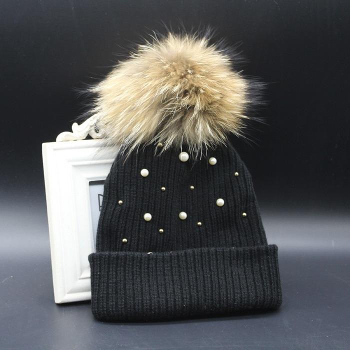 Hiver Femelle Tricoté Bonnets Avec Perle 100% Réel Raton Laveur 15 cm  Fourrure Pompon Chapeaux Pour Femmes Crochet Chapeau dans Skullies \u0026 Bonnets  de Femmes