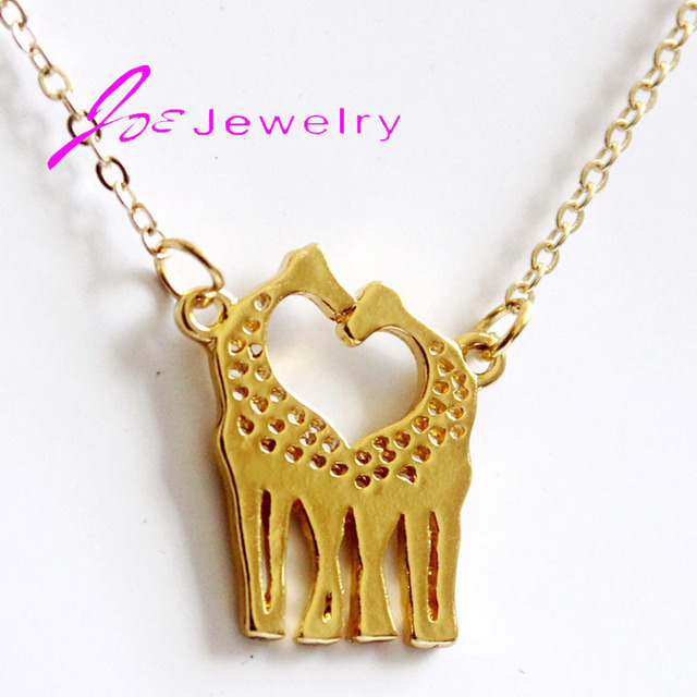 Deer Pendant  Gold-color Dainty Metalwork Jewelry Heart Pendant two cute giraffes consisting of heart-shaped necklace 2017