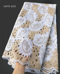 5 yards Bianco Oro Handcut tessuto Africano del merletto bella Nigeria indumento di cucito tessuto di pizzo con un sacco di pietre