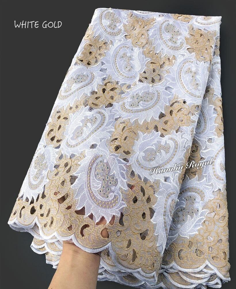 5 ساحات الأبيض الذهب هاندكوت الدانتيل الأفريقي النسيج جميلة نيجيريا الملابس الخياطة أقمشة الدانتيل مع الكثير من الحجارة-في دانتيل من المنزل والحديقة على  مجموعة 1