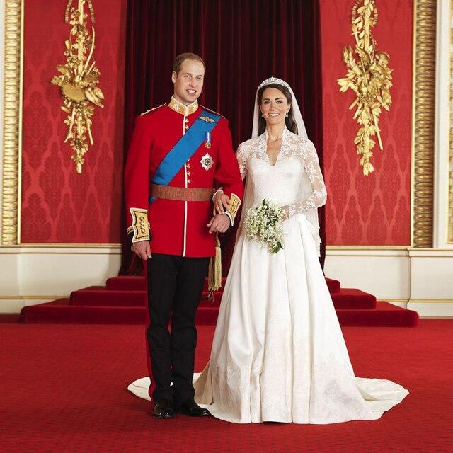 Princess kate wedding dresses luxury long sleeve 2017 v neck satin princess kate wedding dresses luxury long sleeve 2017 v neck satin bridal dresses white robe junglespirit Images