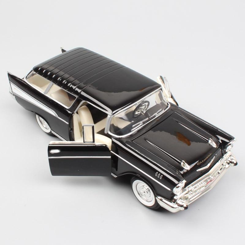 1:24 Scale 1957 Chevrolet Chevy Bel Air Nomad Estate Road Signature Model Car