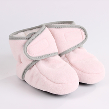 Зимняя обувь для малышей; милая теплая хлопковая обувь для малышей; мягкая однотонная обувь из флока для маленьких девочек