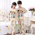 Crianças Pijamas New Venda 2016 Outono & Inverno Sleepwears Bebê Se Adapte Às Meninas Encantadoras Pijamas meninos Dos Desenhos Animados Pijamas Crianças conjunto de Roupas