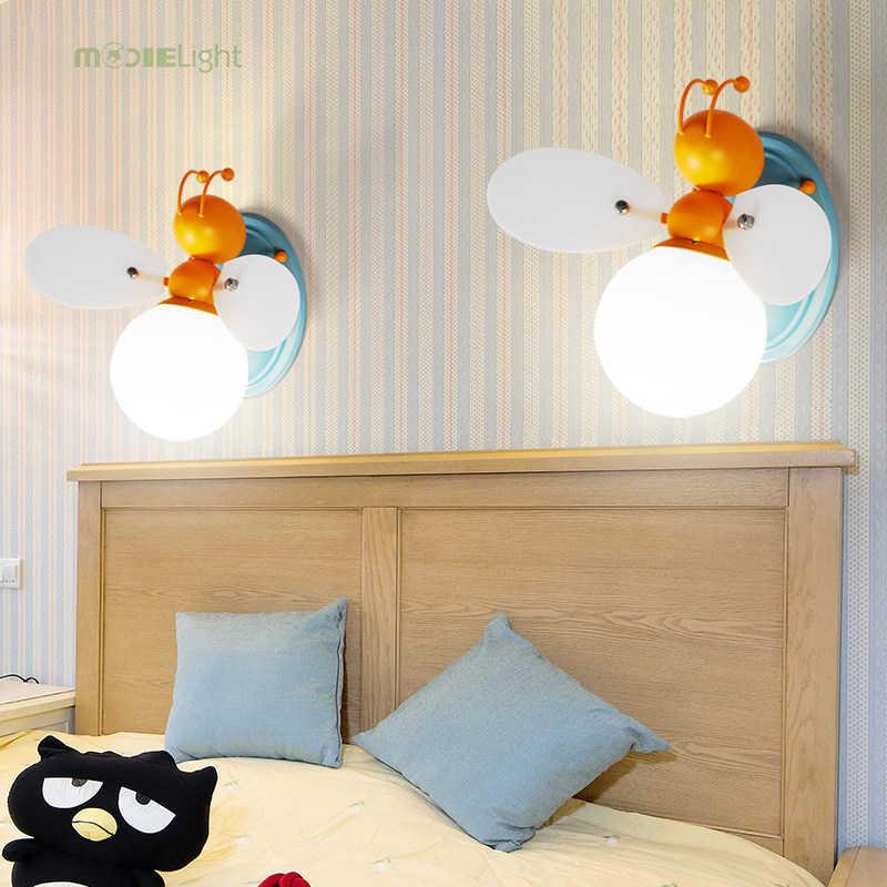 Железный стеклянный светодиодный настенный светильник для детей. Мальчик и девочка лампочки с изображением героев мультфильмов спальня рядом с украшением настенные светильники Светлячок и пчела светильник