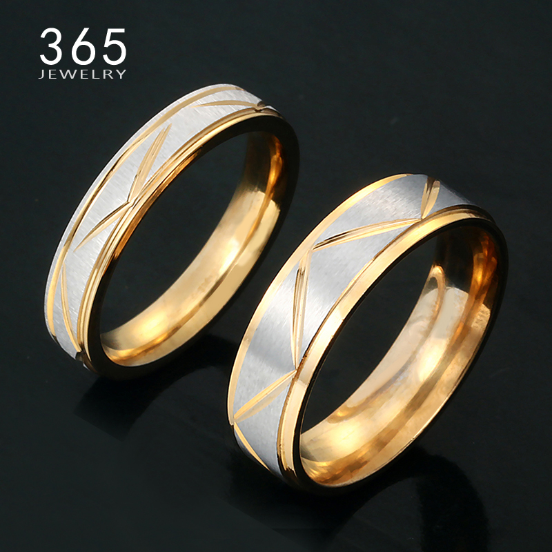 Valentinsdag gave 6mm 4mm rustfritt stål His and Hers Promise Rings Gold Band Pattern Lovers Par Rings for Lady Men