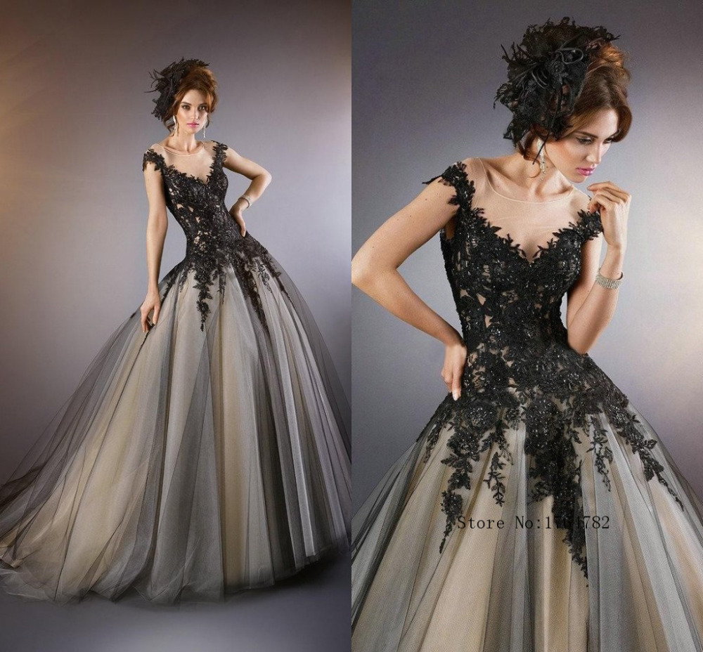 White And Black Lace Wedding Dresses 2015 Spring Applique: Fashionable Black White Lace Appliques Princess Wedding