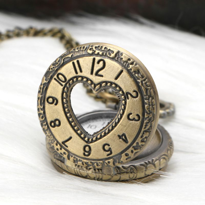 Vintage Pocket Watch Heart Shaped Window Carved Pendant Watches Unisex Retro Charm Decoration