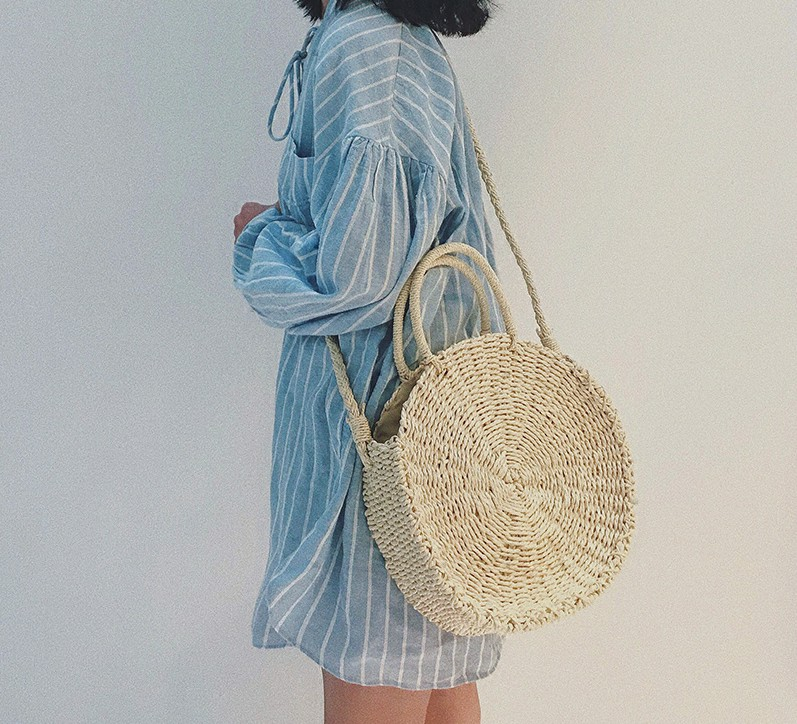 new 2018 Handmade Rattan woven Round Handbag Bohemia Style Beach Circle Bag INS Popular Retro Straw Knitted Summer Beach bag все цены