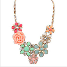 Ahmed Jewelry 2014 New Design High Quality Women 3 Colors Crystal Flower Statement Collar Necklace Necklaces & Pendants 07