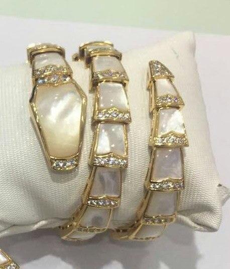 Zirkoon rood/zwart/wit Seashell parel steen elastische manchet bangle dubbele hoepel armbanden goud kleur partij sieraden voor vrouwen-in Armring van Sieraden & accessoires op  Groep 1