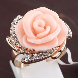 FREE shipping> >>>Pink Rose Flower Rhinestone Fashion Ring 18KGP  Crystal Size 6-8